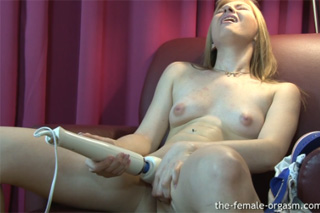 Její první nepředstíraný orgasmus