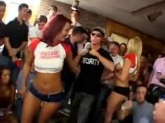Grupáč na studentském večírku